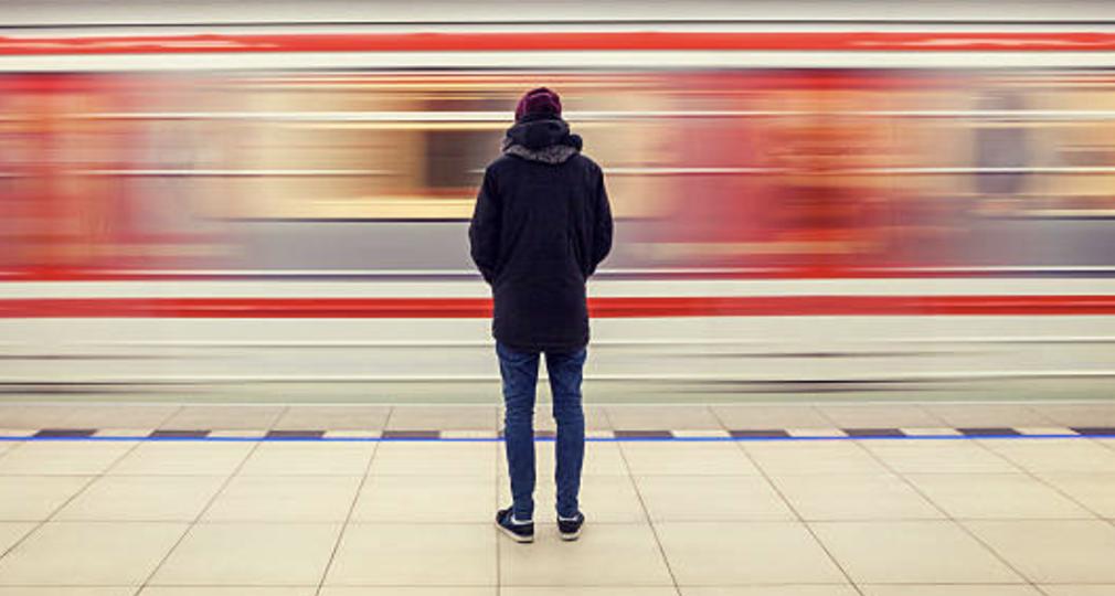 train motion blur_1